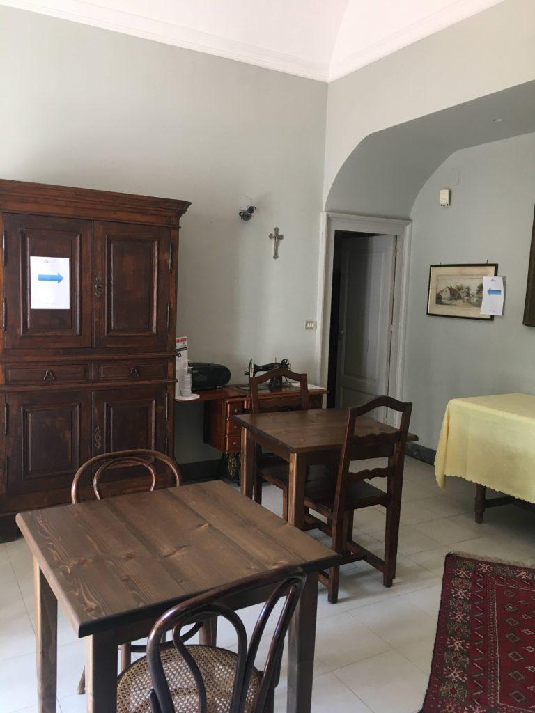 B&B Villa Maria percorso a senso unico zona colazione (6)